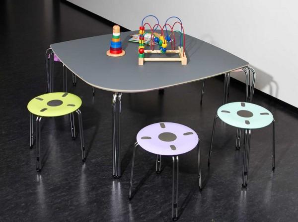 Tisch-Space-II-von-genito-Anwendungsbeispiel-mit-Hocker595624de4787d