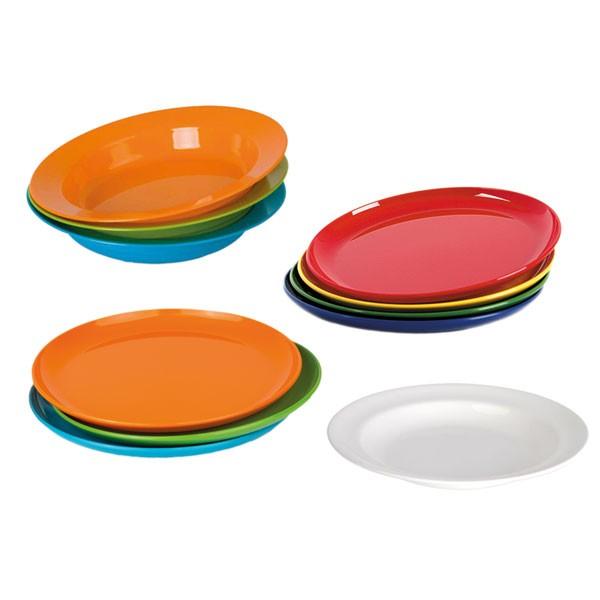 Verschiedene Teller von Kinderzeug