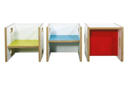 Wandelstühle mit verschieden farbigen Sitzflächen