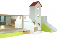 Kleinkind-Spiellandschaft debe.decor - Podest auf linker Seite neben der Turmeinheit