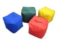 Sitzwürfel mit Kunstlederbezug in 4 Farben mit Inlett aus Styroporfüllung