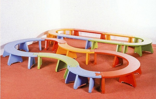 Sitzbank in Puzzle-Form - beliebig kombinierbar.